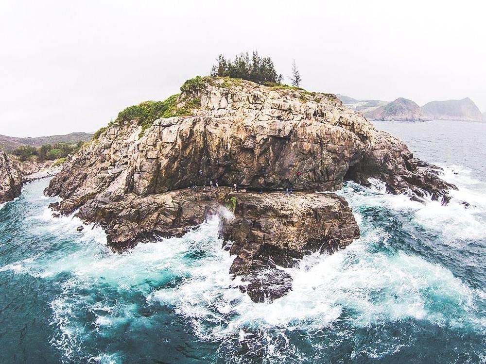 tung lung island climbing hong kong