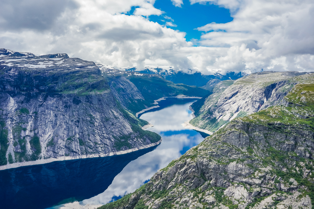 Trolltunga hike odda norway