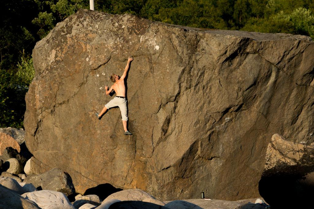 climbing bouldering lofoten norway